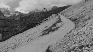 path from Rifugio Auronzo to Rifugio di Lavaredo