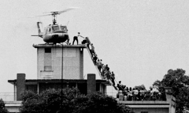 Frantic efforts to escape on the last US choppers to leave Vietnam 4/75