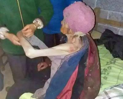 現代版「姨捨山」!? 息子夫婦が92歳の老婆を豚小屋で飼育の画像2