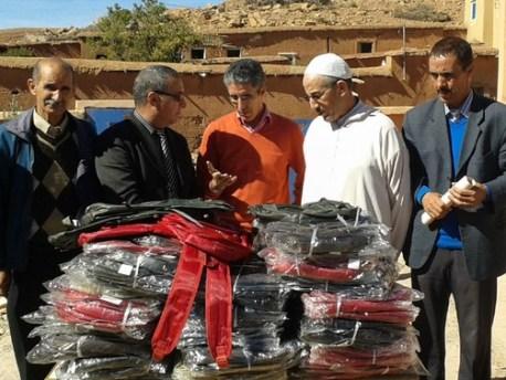 فدرالية الورود والمنظمة الامريكية » اصدقاء المغاربة «ودعم التمدرس باوزيغمت