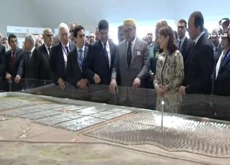 الملك يعطي بورزازات، رفقة وزير الخارجية الإسباني ووزيرة البيئة الفرنسية، الانطلاقة الرسمية لتشغيل «نور1»