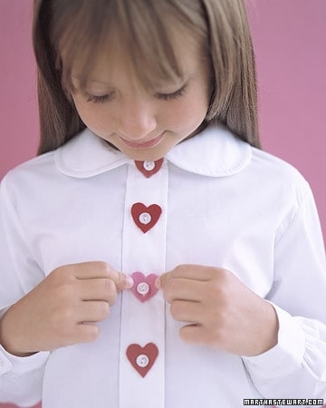 DagmarBleasdale.com: Valentine's Day felt heart buttons