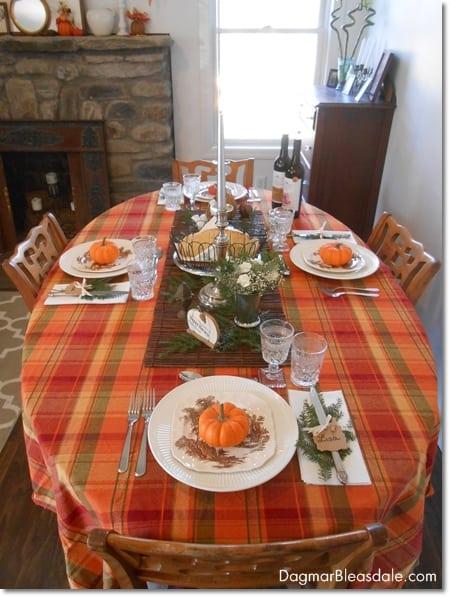 easy Thanksgiving table setting idea