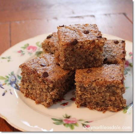 healthy almond cake with chia seeds
