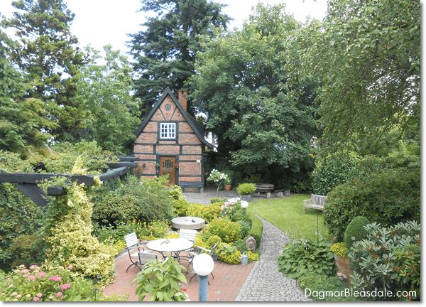 cottage garden, DagmarBleasdale.com