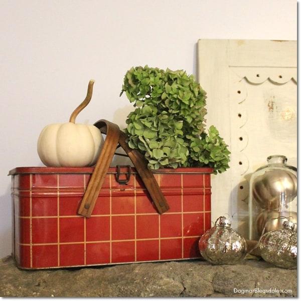 vintage picnic tin, DagmarBleasdale.com