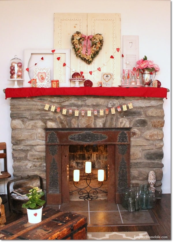 DIY Valentine's Day banner with vintage playing cards, DagmarBleasdale.com