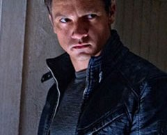 Jeremy-Renner-as-Aaron-Cross-in-The-Bourne-Legacy