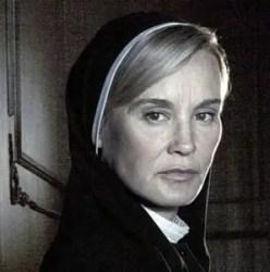 american-horror-story-asylum-jessica-lange