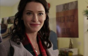 Bridget Regan The Last Ship Interview Wondercon