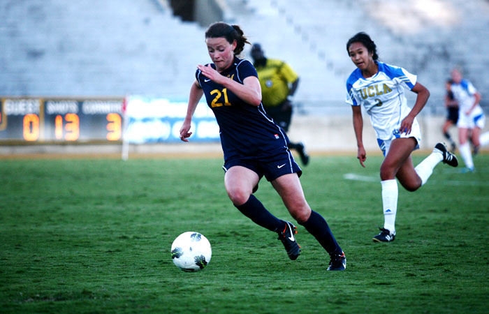 Freshman midfielder Taylor Comeau scored on her only shot against USC on Sunday to give Cal a 2-0 lead. It was her first collegiate goal.