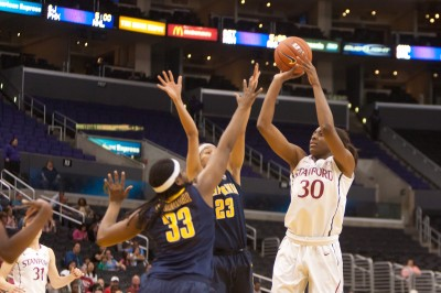 Nnemkadi Ogwumike showed why she was the Pac-12 Player of the Year, with 29 points in the win over Cal on Saturday.
