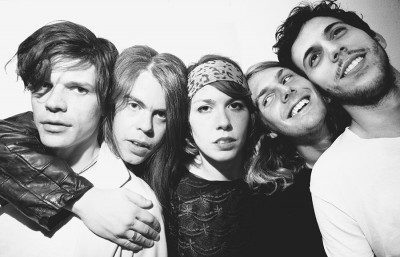 this-photo-is-for-grouplove
