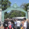 800px-Sproul_Plaza_during_Cal_Day_2010_13