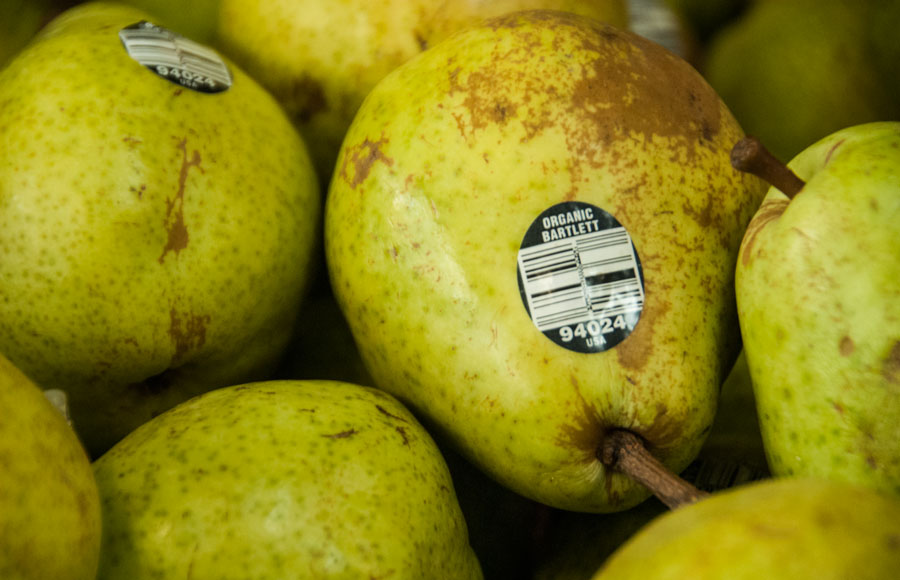 Berkeley City Council is considering requiring retailers and grocery stores to label genetically modified produce.