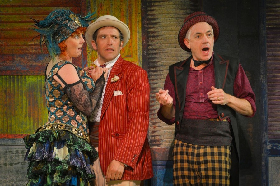 Double the delight in cal shakes s 39 the comedy of errors for Farcical behavior