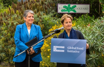 Janet-Napolitano-and-Alice-Waters-7-1-2014-(23)