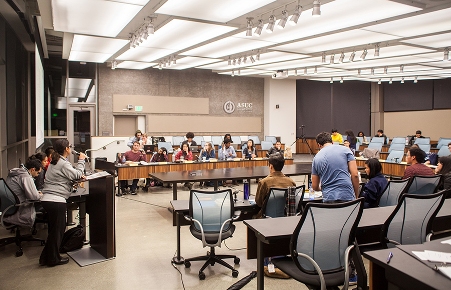 ASUC Senate reintroduces resolution that would aim to increase BART affordability for students