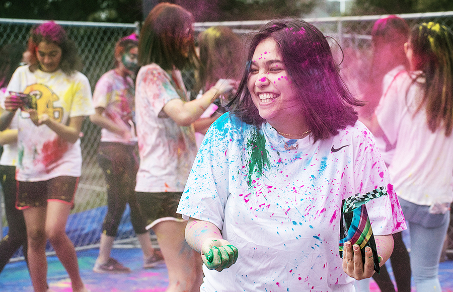 Holi 2018 : UC Berkeley welcomes spring with festival of color
