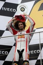 0957_R16_Simoncelli_podium