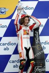 0976_R11_Simoncelli_podium
