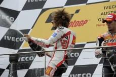 1047_R16_Simoncelli_podium