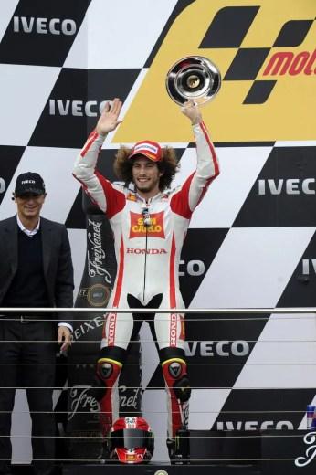 1228_R16_Simoncelli_podium