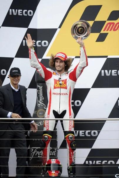 1229_R16_Simoncelli_podium