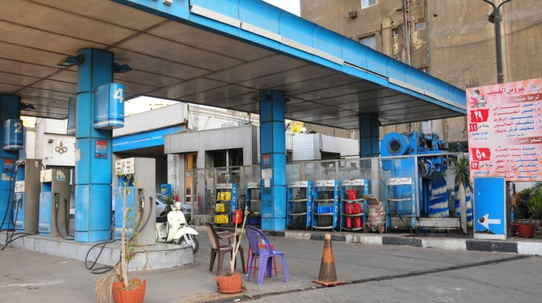"""Supply efforts will concentrate deliveries of diesel to Ministry of Petroleum pumps and """"Watanyia"""" stations, owned by the Military . trafficPhoto by: Hassan Ibrahim"""
