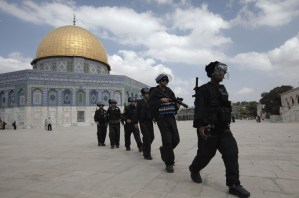 Israeli riot police at Al Aqsa mosque compound (AFP File Photo)