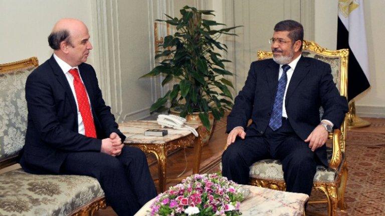 Albania's foreign minister Edmond Panariti met with President Mohamed Morsi (Photo Presidency handout )