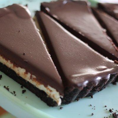 No-bake Chocolate Mascarpone Tart with Espresso Infused Ganache www.dailytiramisu.com