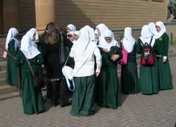 Pelajar muslimah Australia