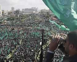 Rakyat Palestina tumpah ruah memperingati Milad Hamas ke-21