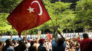 Kerumunan Orang di Turki (inet)