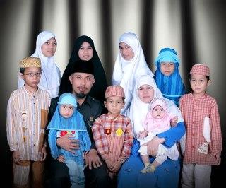 Keluarga Besar Mahyeldi, Wakil Walikota Padang