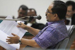 Lutfi Hasan Ishaq saat membacakan Pledoi Pribadi di Pengadilan Tipikor, Jakarta , Rabu (4/12/13). Foto : Dwi Pambudo/Rakyat Merdeka