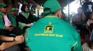 Kader PPP Kampanye dialogis di warkop jurnalis Banda Aceh (foto: Antara)