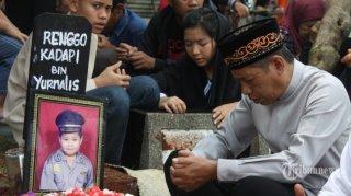 Renggo Khadafi pelajar SDN Makasar 09 Pagi, Jakarta Timur yang diduga meninggal karena dianiyaya kakak kelasnya - (foto: tribunnews.com)