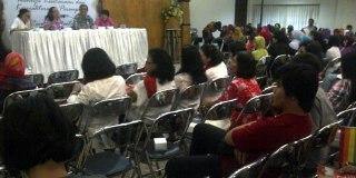 Acara diskusi dan deklarasi dukungan kelompok minoritas Surabaya kepada Jokowi-JK. (KOMPAS.com/Achmad Faizal)