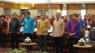 Gubernur Sumbar Irwan Prayitno saat menghadiri acara Predikat Terbaik Nasional dengan Nilai Tertinggi terhadap Kepatuhan terhadap UU Pelayanan Publik di Jakarta, Jum'at (19/7/14).    (Erwin FS)