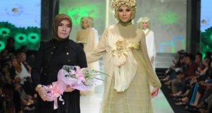 Desainer busana Muslim, Irna Mutiara.  (fbcdn.net)