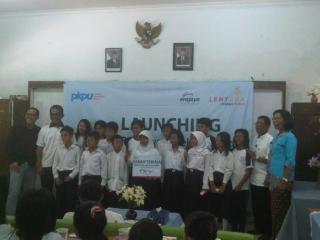 Launching program beasiswa Bea-STAR merupakan salah satu kegiatan CSR di bawah pilar Lentera Cerdas.(kis/pkpu)