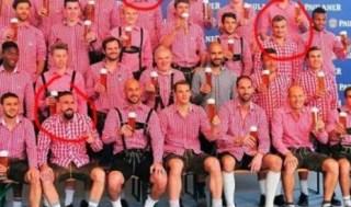 Sesi pemotretan klub Bayern Munchen dalam rangka memperkenalkan seragam The Bavaria.  (republika.co.id)