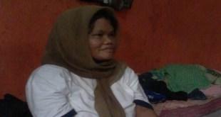 M (47) Ibunda MA warga Jalan Haji Jum RT9/RW1, Kelurahan Rambutan, Ciracas, Jakarta Timur.  (okezone.com)