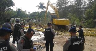 Pembongkaran lapak PKL di Pluit, Jakarta. (kompas.com)