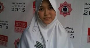 Azma Azizah Nurul Ummah, Siswi SMP IT Bina Umat Yogjakarta.  (Arif Agung)