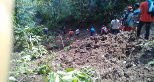 Hujan deras yang mengguyur Kabupaten Pangandaran menyebabkan 8 kecamatan tergenang banjir dengan ketinggian sekitar 20 – 180 meter. (Putri/PKPU)