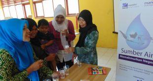 Edukasi Pengelolaan Air oleh Kader Berdaya PKPU, di SMPN 2 Talegong, Desa Mekarmukti, Kabupaten Garut, Jawa Barat,  jumat (7/10/2016). (Doni/Putri/PKPU)
