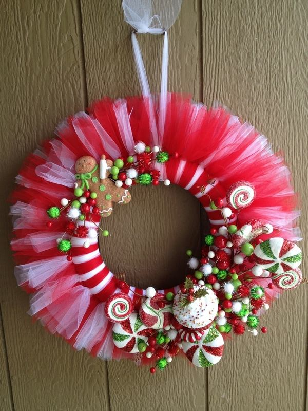 Coronas hechas con tul para navidad - Coronas navidenas faciles ...